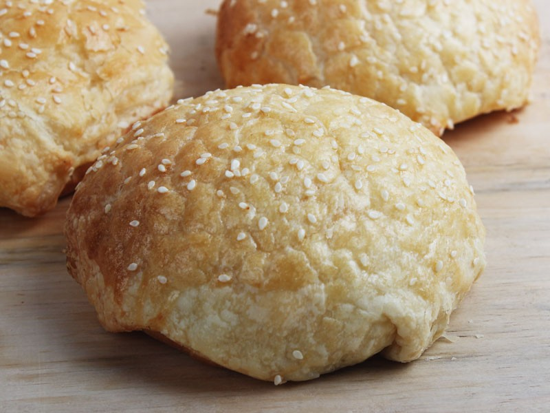 Soya Chicken & Mushroom Bun - Igor's Pastry products